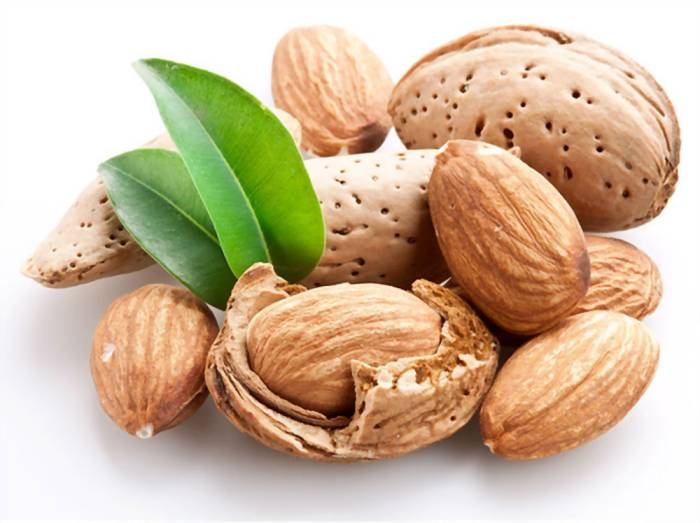 Benefits And Recipes Of Almond For The Skin